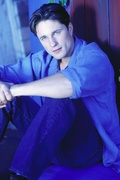 Мартин Хендерсон (Martin Henderson) Self Assignment Photoshoot 2002 (19xHQ) MEZ5BG_t