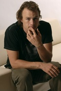 Хит Леджер (Heath Ledger) Toronto Film Festival 2006 (3xHQ) ME102G4_t