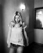 Тара Рид (Tara Reid) Cosmo Girl Photoshoot 2002 (17xHQ) MEYL3E_t