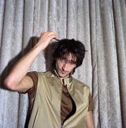 Эдриан Броуди (Adrien Brody) Self Assignment Photoshoot 2003 (7xHQ) MEYC0X_t