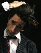 Эдриан Броуди (Adrien Brody) Modern Luxury Photoshoot 2003 (19xHQ) MEYBWT_t