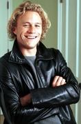 Хит Леджер (Heath Ledger) Photoshoot 2002 (13xHQ) ME102RR_t