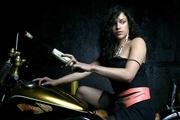 Мишель Родригес (Michelle Rodriguez) Flaunt Magazine Photoshoot 2004 (18xHQ) MEY8CX_t