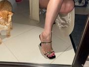 Ножки девушек из объявлений.