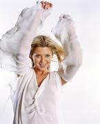 Тара Рид (Tara Reid) Cosmo Girl Photoshoot 2002 (17xHQ) MEYL3B_t