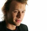 Хит Леджер (Heath Ledger) TIFF Portrait Session 2006 (15xHQ) ME102JQ_t