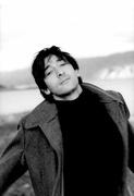 Эдриан Броуди (Adrien Brody) Exclusive Press Photoshoot 2005 (15xHQ) MEYCHM_t