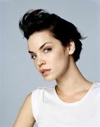 Эшли Скотт (Ashley Scott) InStyle Photoshoot 2002 (10xHQ) ME11109_t