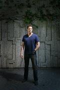 Брендан Фрейзер (Brendan Fraser) Los Angeles Times Photoshoot 2008 (4xHQ) ME11DCV_t
