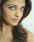 Айшвария Рай (Aishwarya Rai) Photoshoot 2004 (11xHQ) MEZV6Y_t