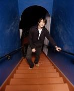 Эдриан Броуди (Adrien Brody) Venice Photoshoot 2003 (12xHQ) MEYJLV_t