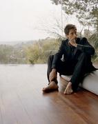 Эдриан Броуди (Adrien Brody) Photoshoot 2004 (11xHQ) MEYBYJ_t