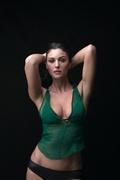 Моника Беллуччи (Monica Bellucci) Esquire Photoshoot 2001 (16xHQ) MEZV0W_t