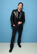 Эдриан Броуди (Adrien Brody) Larry Busacca Photoshoot 2013 (11xHQ) MEYBQB_t