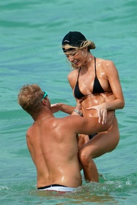 celeste-bright-in-a-black-bikini-at-the-beach-in-miami-06-16-2021-4.jpg