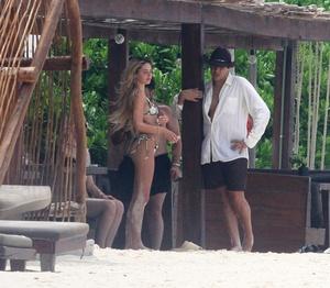 delilah-hamlin-in-a-bikini-on-the-beach-in-tulum-06-16-2021-2.jpg