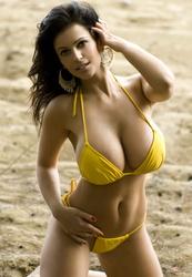 Denise Milani3.jpg