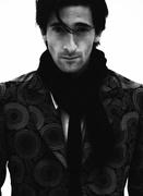 Эдриан Броуди (Adrien Brody) Modern Luxury Photoshoot 2003 (19xHQ) MEYBW7_t