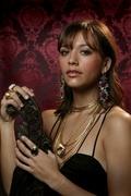 Рашида Джонс (Rashida Jones) Pascal Perich Photoshoot 2004 (7xHQ) ME11G0R_t