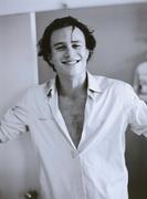 Хит Леджер (Heath Ledger) Movieline Photoshoot 2001 (14xHQ) ME10BDA_t