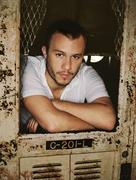 Хит Леджер (Heath Ledger) The Advocate Photoshoot 2005 (7xHQ) ME110TQ_t