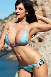 Denise Milani8.jpg