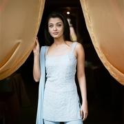 Айшвария Рай (Aishwarya Rai) Cannes Film Festival 2002 (4xHQ) MEZVAU_t