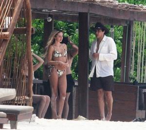 delilah-hamlin-in-a-bikini-on-the-beach-in-tulum-06-16-2021-3.jpg